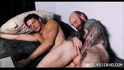 Young Jock Stepson Sex With Bear Stepdad On His Webcam