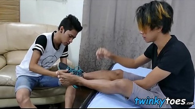 Feet worshipping Asian twink boys are having anal fuckfest