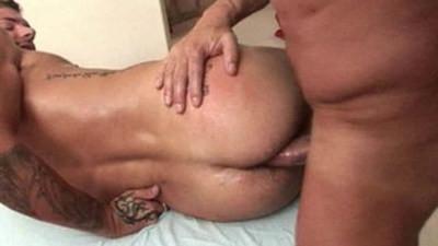 Massagecocks Rocker Gets Fondled