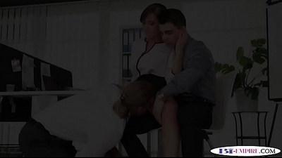 Dicksucking stud fucks busty amateur babe during mmf