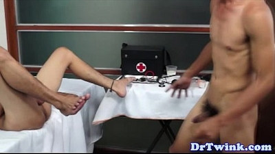 Barebacking Dr twink and a horny patient